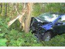 11/28 Pkw gegen Baum auf A93 am 06.07.2011_7